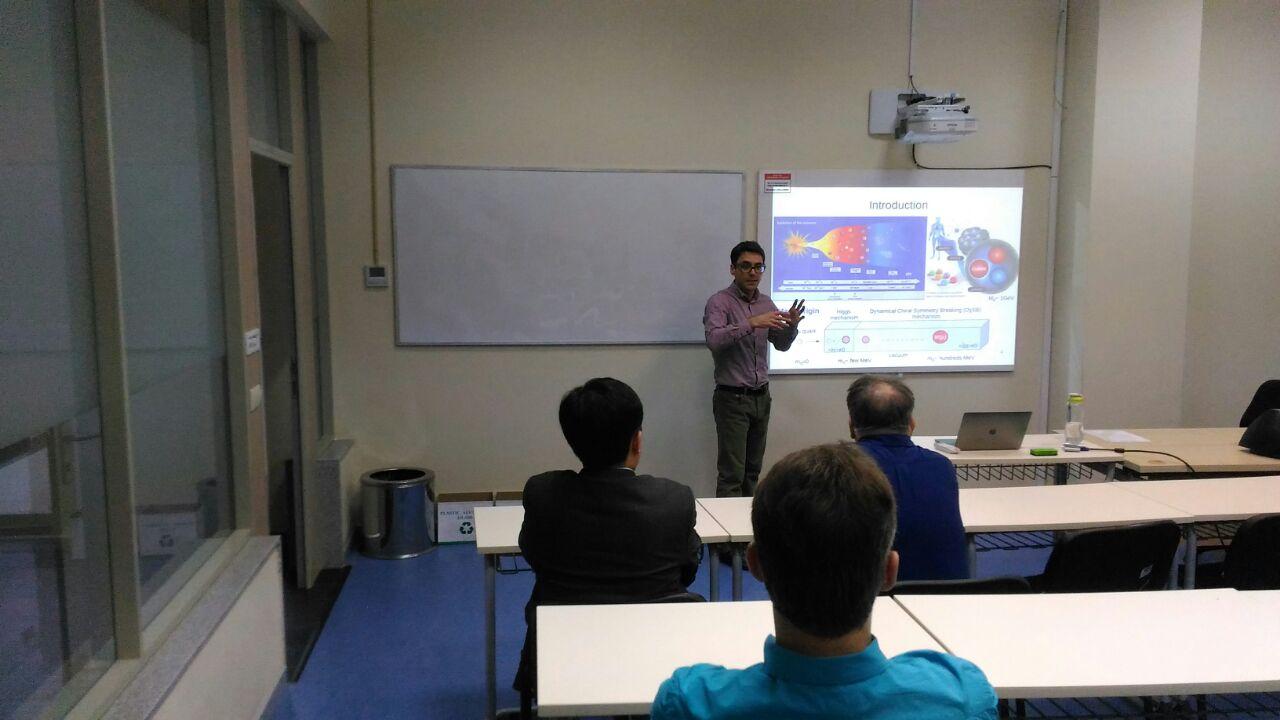 Denissenya M. delivers a talk at the Physics Seminar at the SST